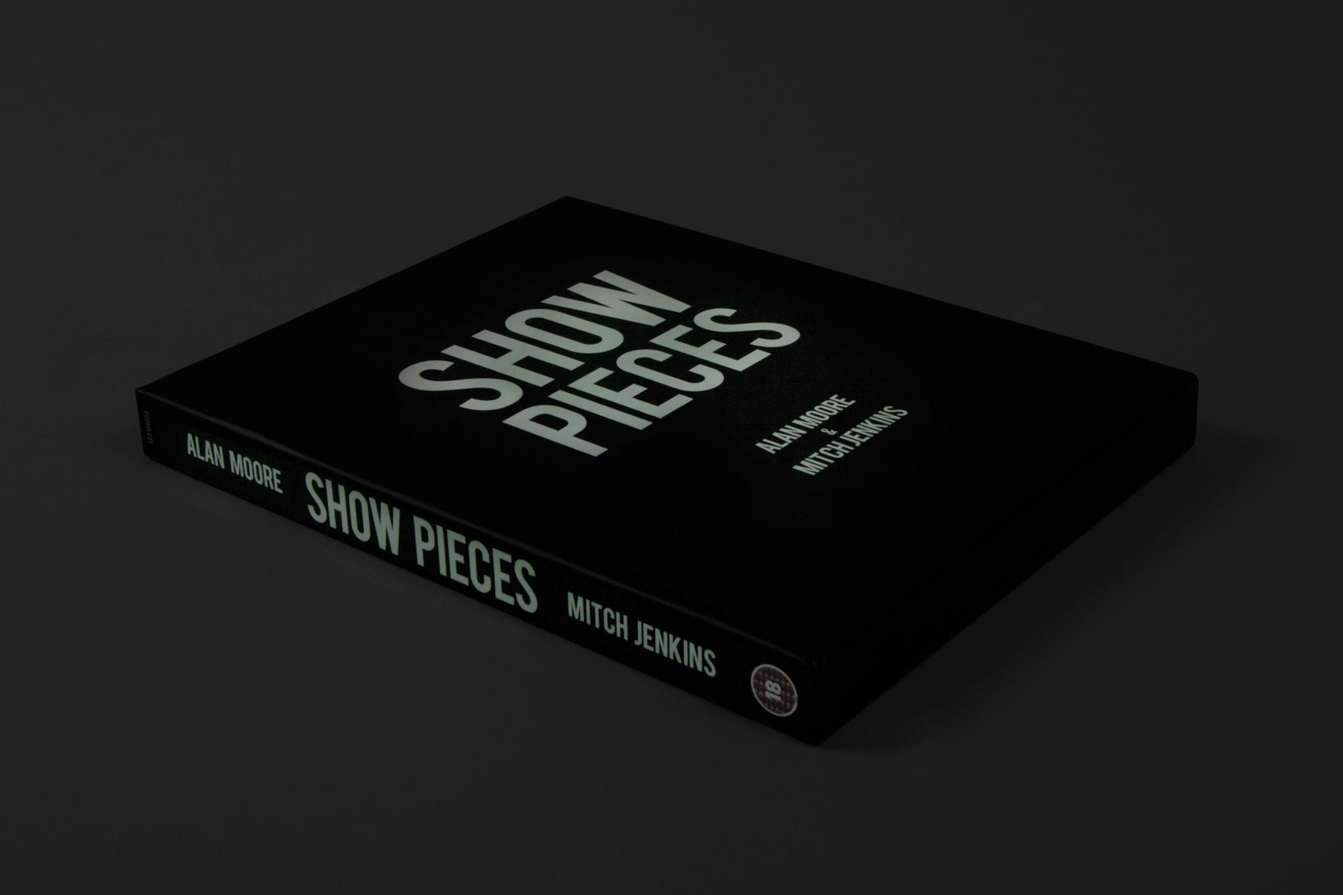 show-pieces-boxset-cover-glow